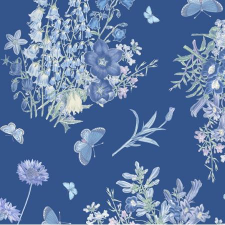 20109 | POLNE KWIATY I NIEBIESKIE MOTYLE pANTONE CLASSIC BLUE